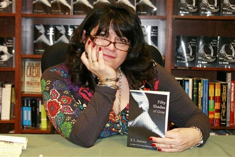 Novelis Perempuan Terkaya