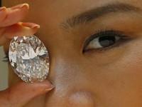 Lelang Berlian Putih Pecahkan Rekor Dunia