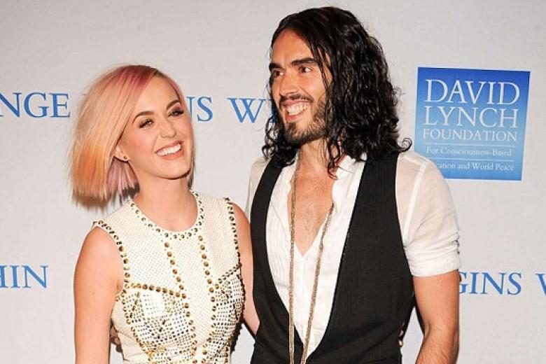 Katy Perry Buka-bukaan Soal Perceraian