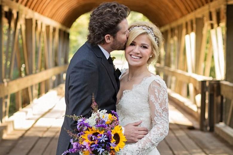 Akhirnya Kelly Clarkson Menikah