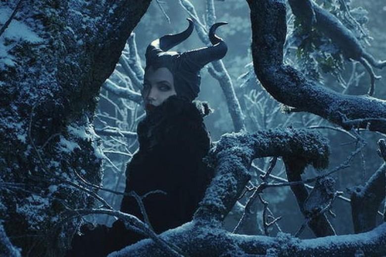Lama Vakum, Angelina Jolie Jadi Penyihir