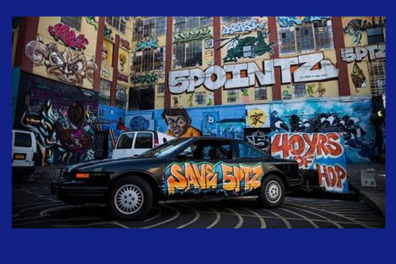 Grafiti Banksy Laku Jutaan Dolar