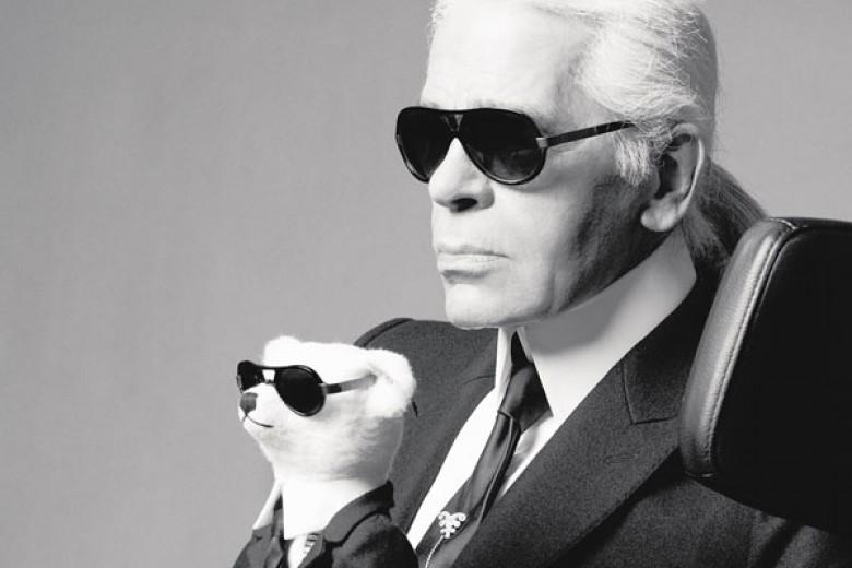 Karl Lagerfeld Diprotes Perempuan Prancis