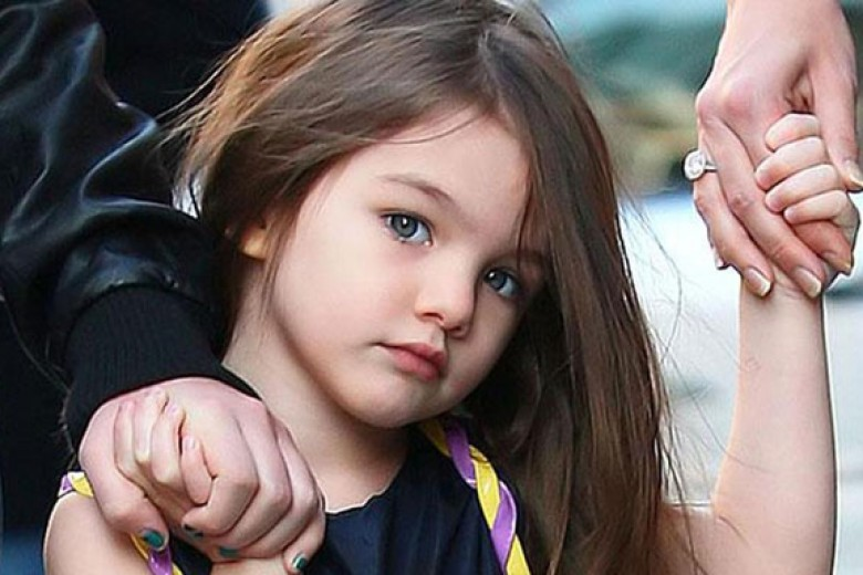 Tom Cruise Sangkal Jauhi Putrinya