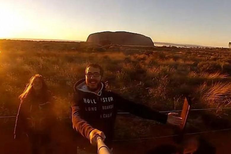Keliling Australia Dalam Satu Menit?