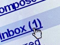 Kebiasaan Menyebalkan Dalam Email