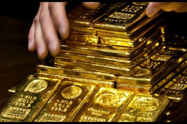 Emas Hadapi Koreksi Terbesar Dalam 32 Tahun