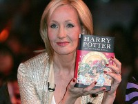 Harry Potter Kembangkan Sayap