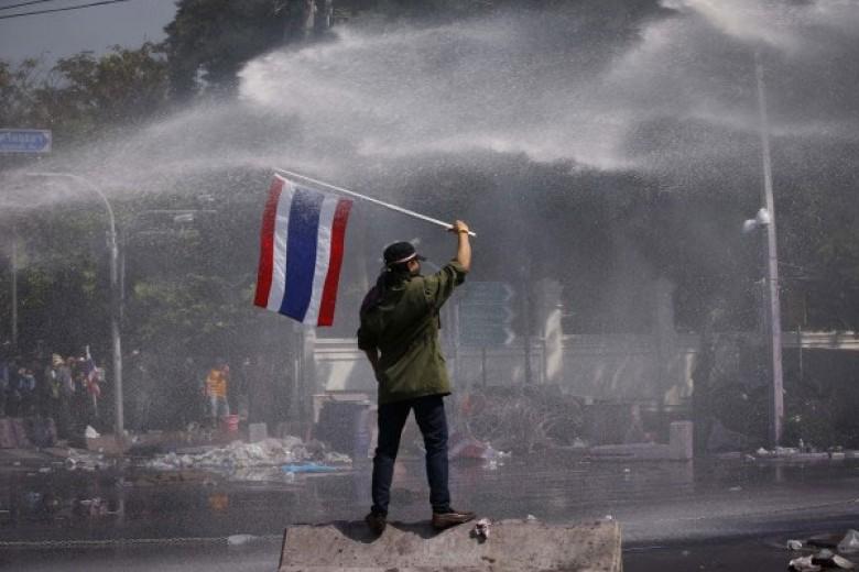 Aset Thailand Diperkirakan Terus Turun