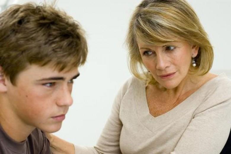Suka Duka Orangtua Remaja Laki-laki