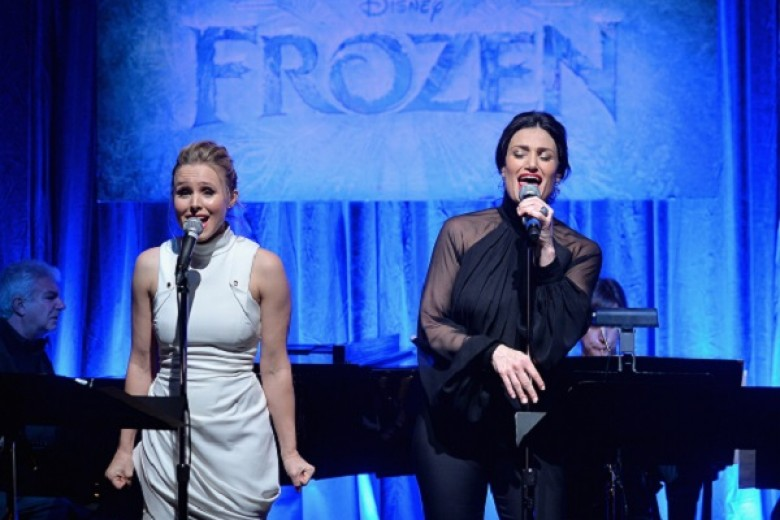 Bintang 'Frozen' Nyanyi Live
