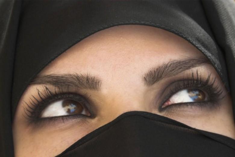 Perempuan Saudi Tidak Boleh …
