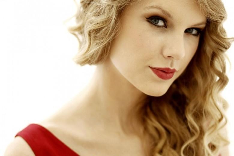 Juni, Taylor Swift Sambangi Jakarta!