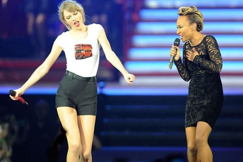 Duet Taylor Swift – Emeli Sande Kejutkan Konser