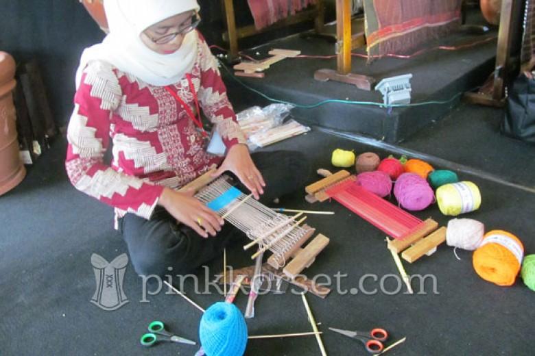 Serunya Belajar Tenun di Museum Tekstil Jakarta