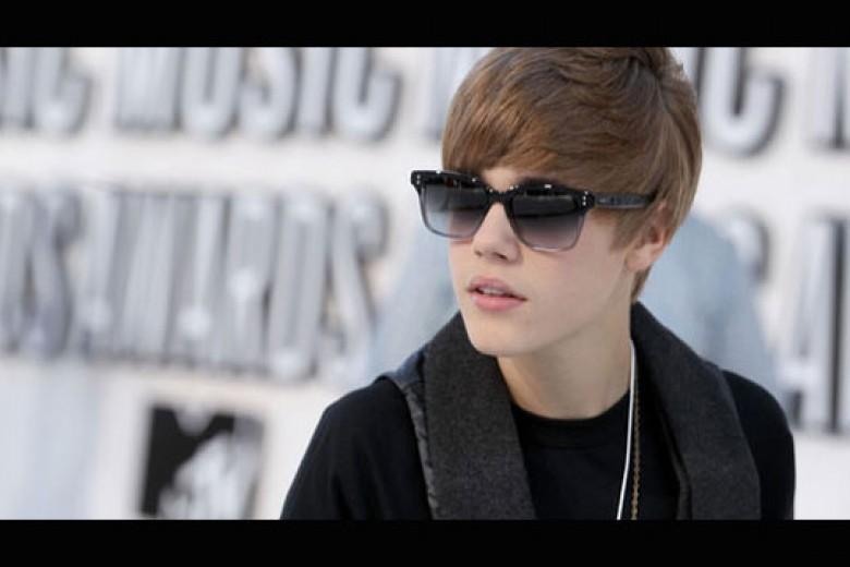 Akun Twitter Justin Bieber di-Hack Orang Indonesia