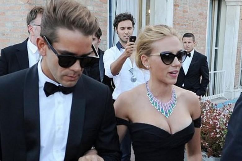 Scarlett Johansson Hamil Anak Pertama