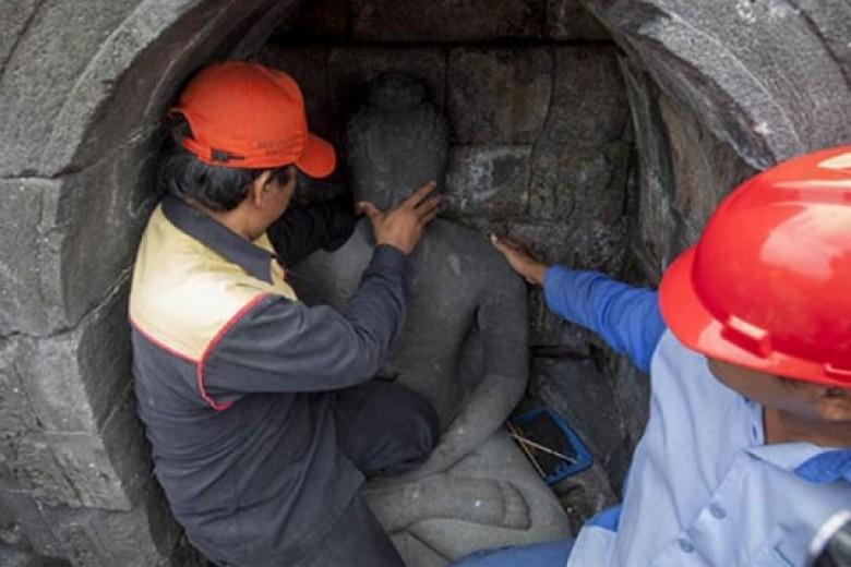 Duh! Ratusan Arca Borobudur Tanpa Kepala
