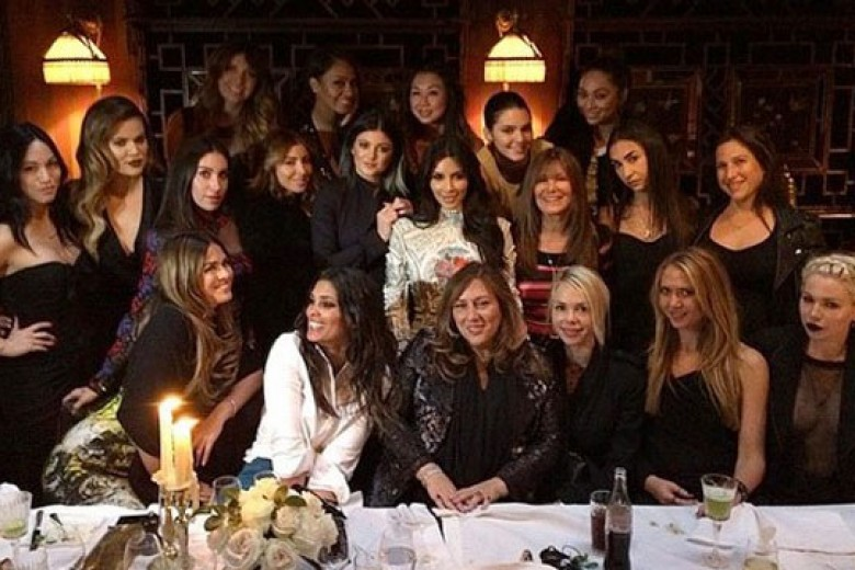 Serunya Pesta Lajang Kim Kardashian