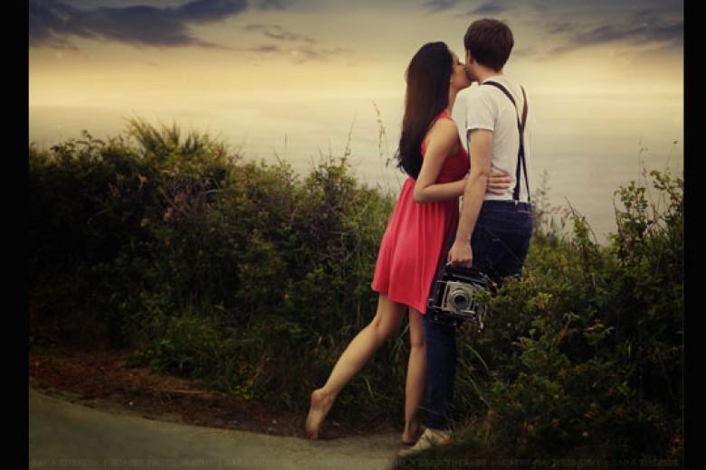 Ketika Selebritas Bertemu dan Jatuh Cinta