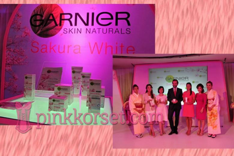 Rangkaian Produk Ekstrak Bunga Sakura