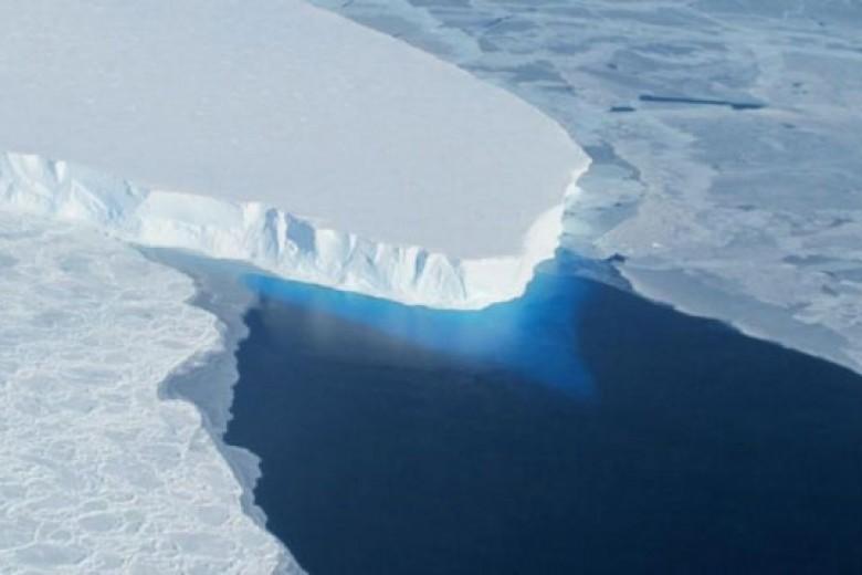 Gletser di Antartika Barat Akan Tenggelam ke Laut!