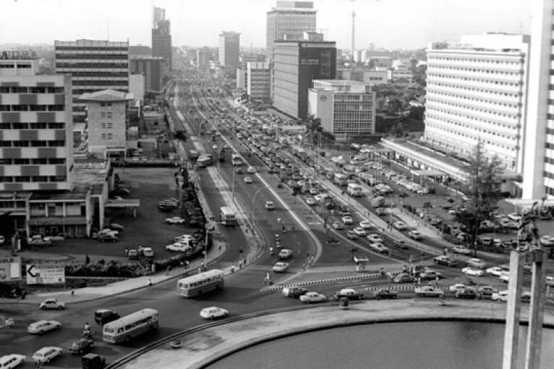 Ketika Jakarta Bersalin Rupa