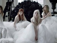 Vera Wang Beralih ke Video Visual