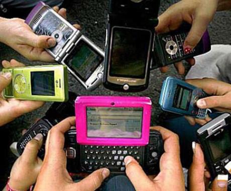 Setengah Penduduk Bumi Gunakan Ponsel