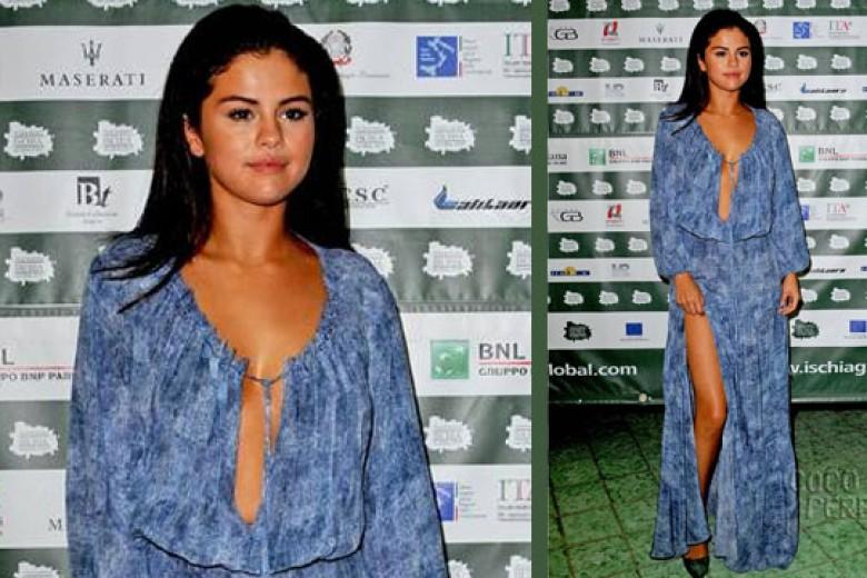 Selena Gomez Seksi Dalam Busana Hippie