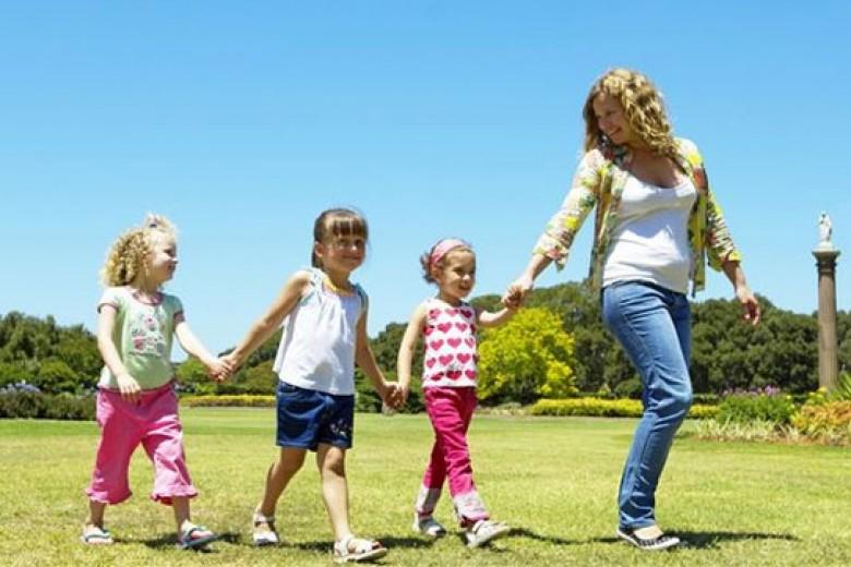 Agak tak Cemas Saat Anak Bersama Pengasuh