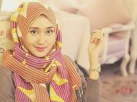 Tips Rambut Perempuan Berhijab Ala Dian Pelangi