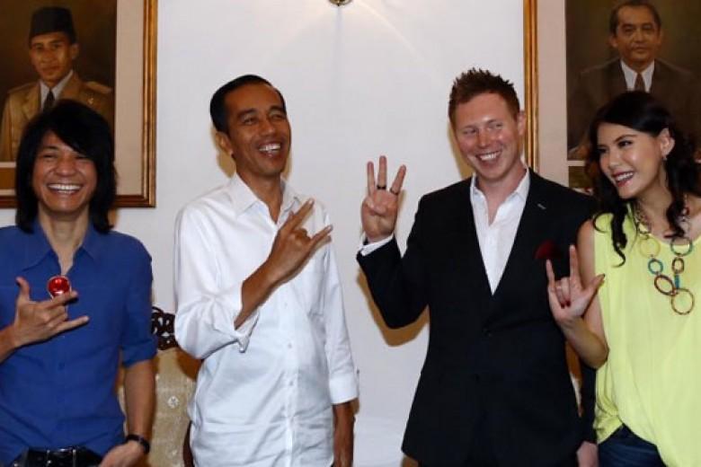 Gitaris Arkarna Akhirnya Ketemu Jokowi