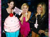 Avril Lavigne Ultah ke-30 Tanpa Suami