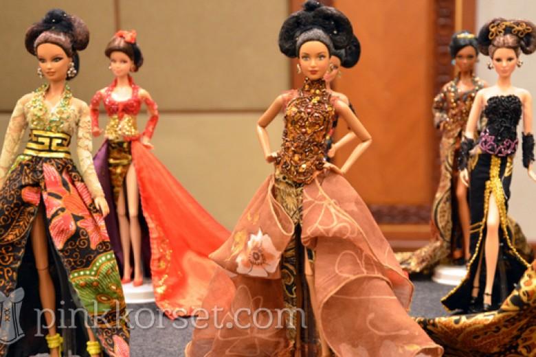 Wow! Barbie pun Pakai Kebaya Anne Avantie