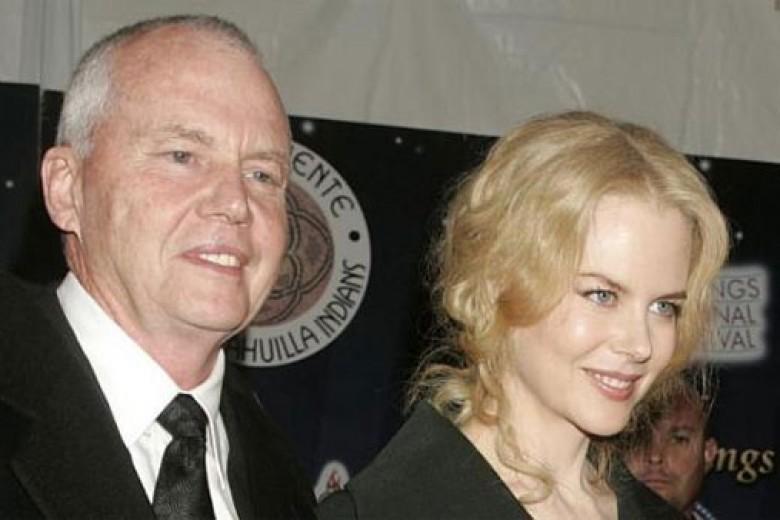 Ayah Nicole Kidman Meninggal di Singapura