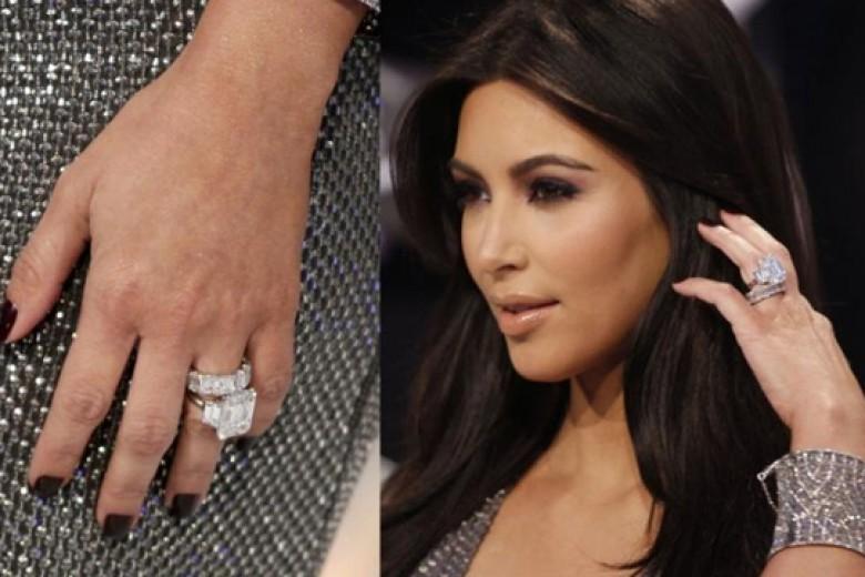 Kim Kardashian Buang Cincin Berliannya