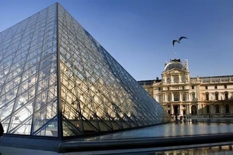Asyik, Museum Louvre Bakal Buka Setiap Hari!