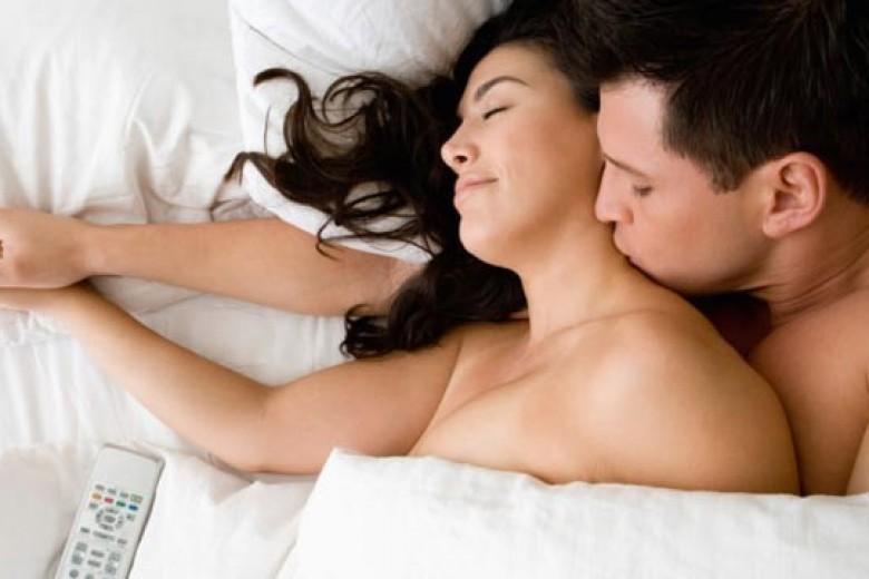Cara Pasangan Bangkitkan Mood Bercinta Anda