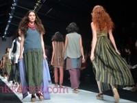 Ketika Budaya Baduy dan Bali Bersatu Dalam Fesyen