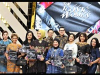 10 Iconic Women dalam Balutan Busana Iwan Tirta