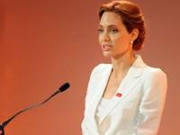 Angelina Jolie Jadi Dosen Tamu