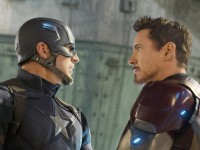 Konflik Dua Kubu Superhero