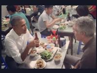 Ketika Obama Sambangi Warung di Vietnam