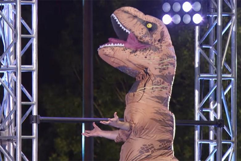 Lihat T-Rex Ini Beraksi Bak Ninja