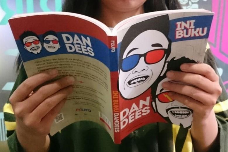 Membaca Humor ala Dandees