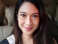 Tips Selfie Cantik Ala Dian Sastrowardoyo