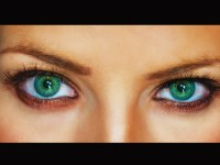 Mengapa Ada Warna Mata Biru dan Hijau?
