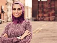 Perempuan Berhijab Jadi Cover Majalah Lari