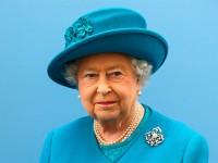 Ratu Inggris tak Butuh Paspor